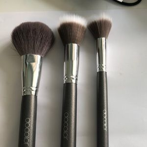 Docolor face brushes.